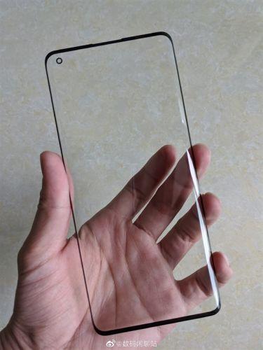OPPO Find X2屏幕盖板曝光 采用双曲面OLED小孔径挖孔屏