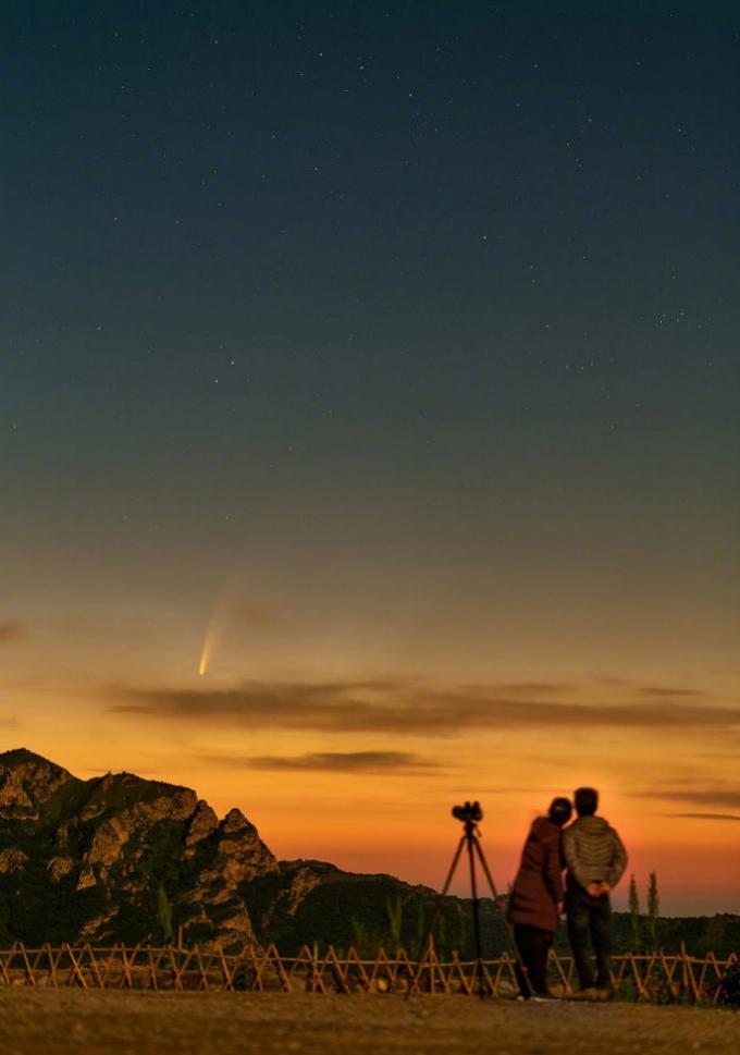 """上半年原本会出现的ATLAS和SWAN彗星纷纷""""放了地球鸽子""""  2020年的""""扫把星""""终于来了"""